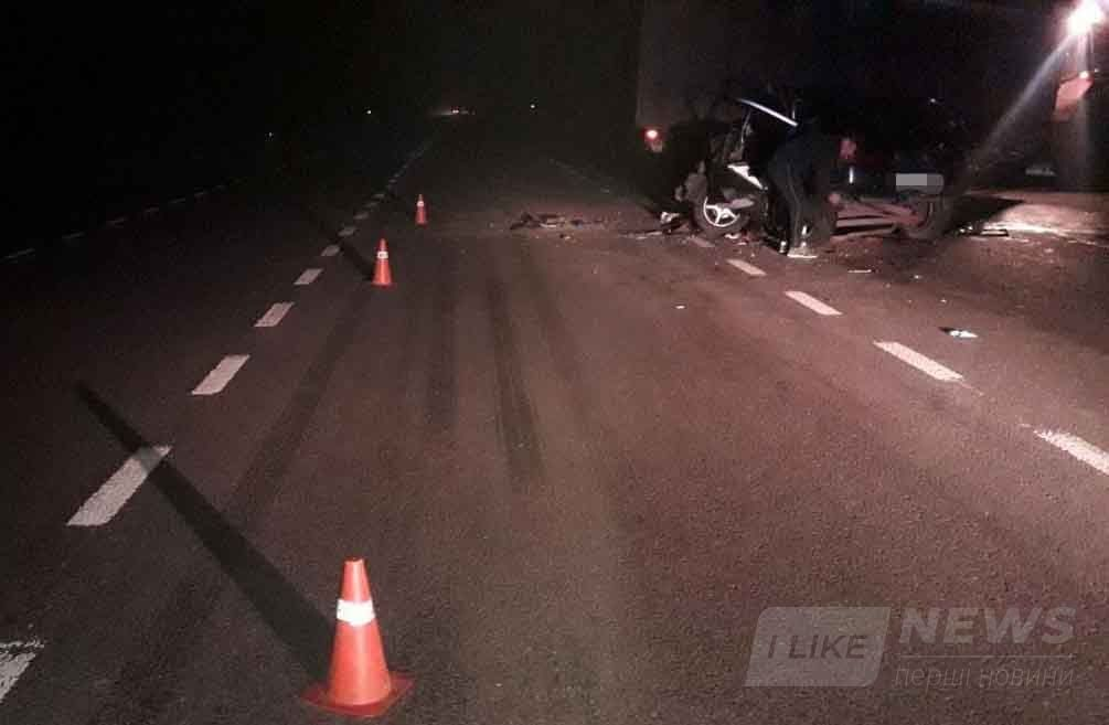 Смертельна ДТП на Вінниччині: водій потрапив до реанімації, а пасажирка загинула
