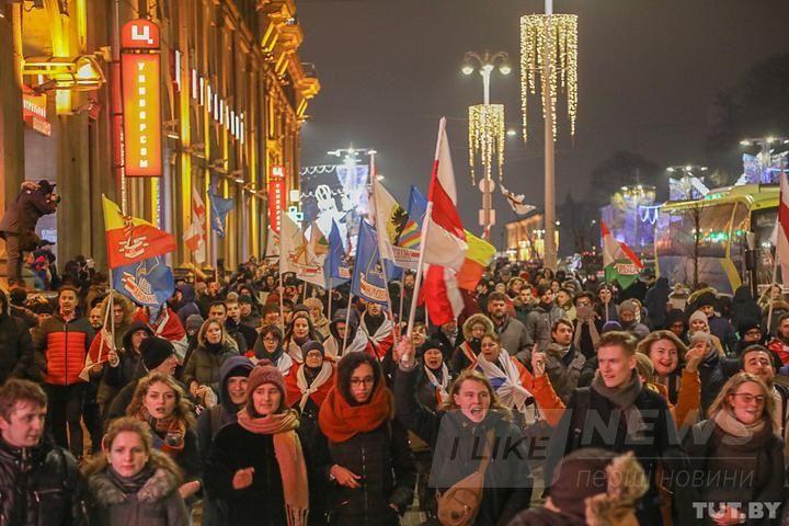 У Мінську на протести вийшли студенти. ОМОН почав затримання