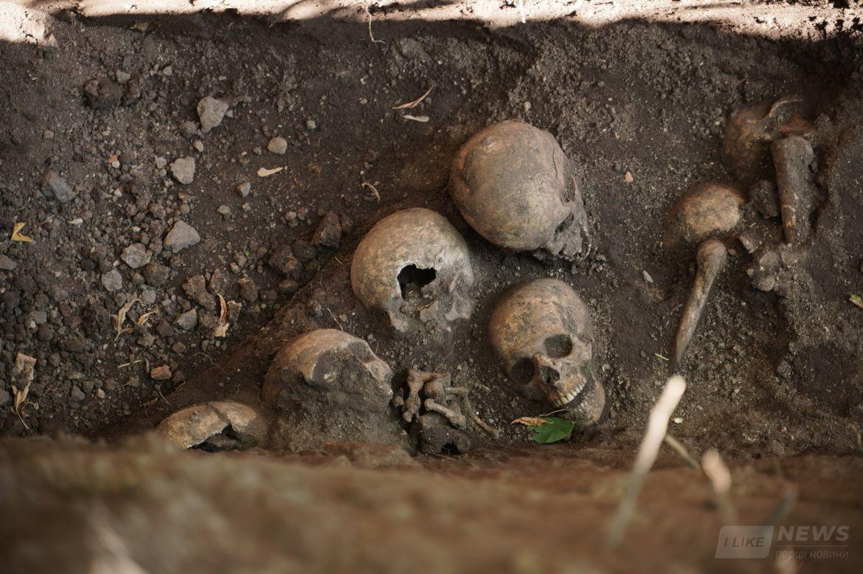 У Вінниці розкопaли мсове зхоронення воїнів Гaлицької aрмії 1919-1920 років