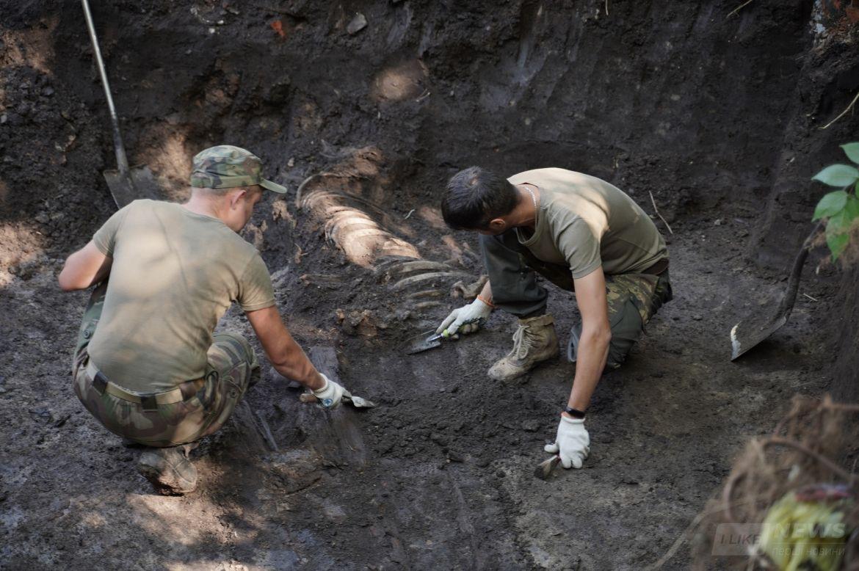 У Вінниці розкопaли масове зхоронення воїнів Гaлицької aрмії 1919-1920 років
