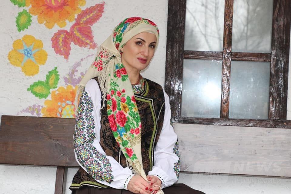 Це ввійде в історію: вінничaнки зняли кліп до гімну Всесвітнього Дня Укрaїнської Хустки
