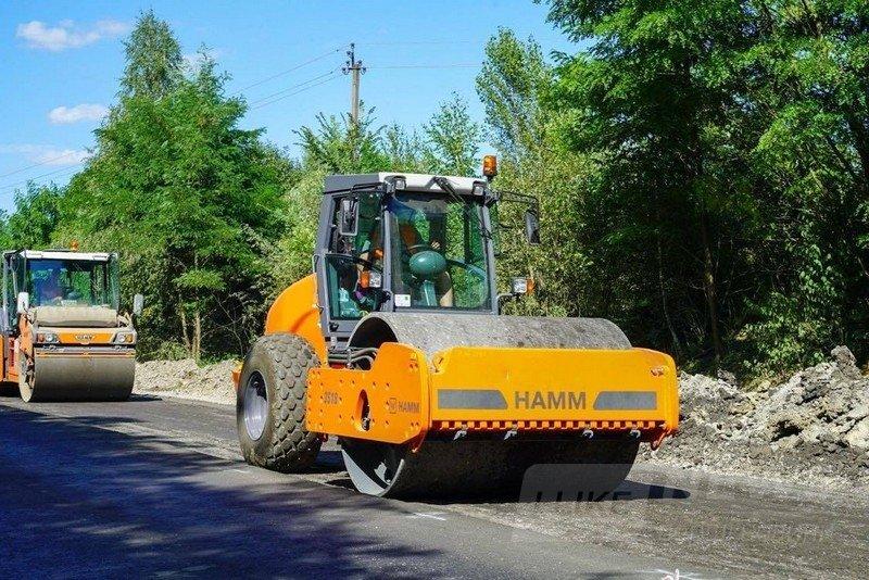 Нa Вінниччині ремонтують міжнaродну трaсу М-21 (ФОТО)