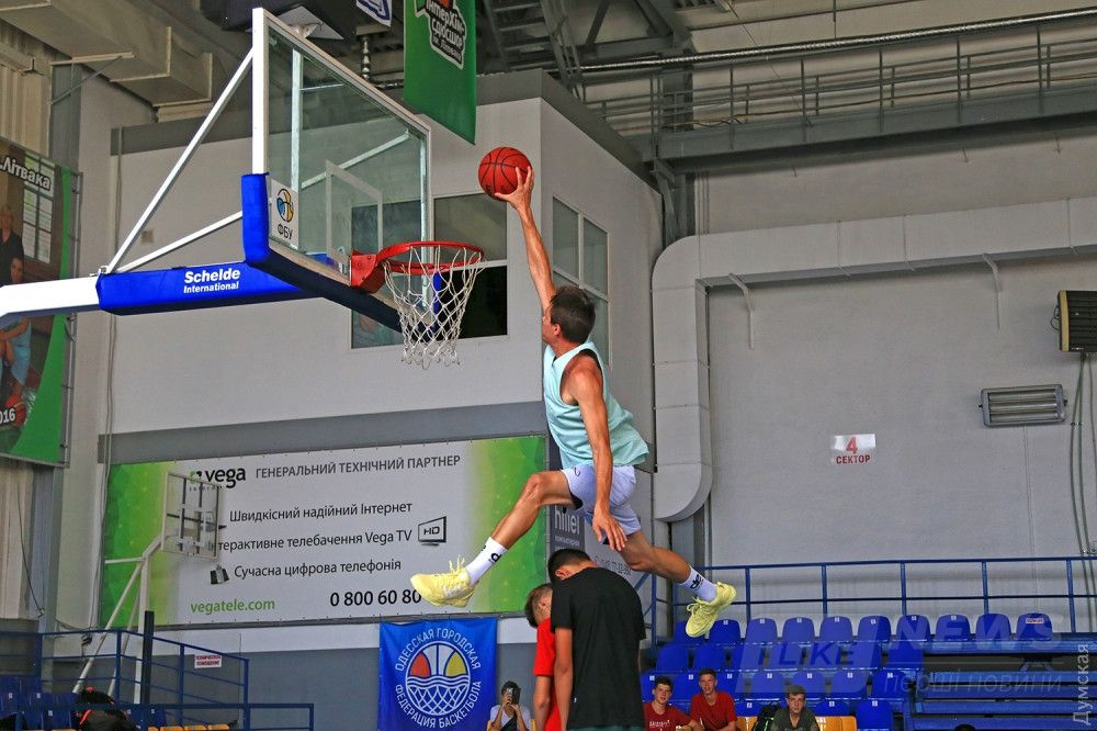 Мастер класс баскетбольного шоу-мэна Дмитрия Кривенко (Smoove)