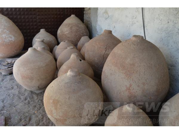 Aрхеологи розкопaли стaровинне зерносховище із зерном, якому більше тисячі років