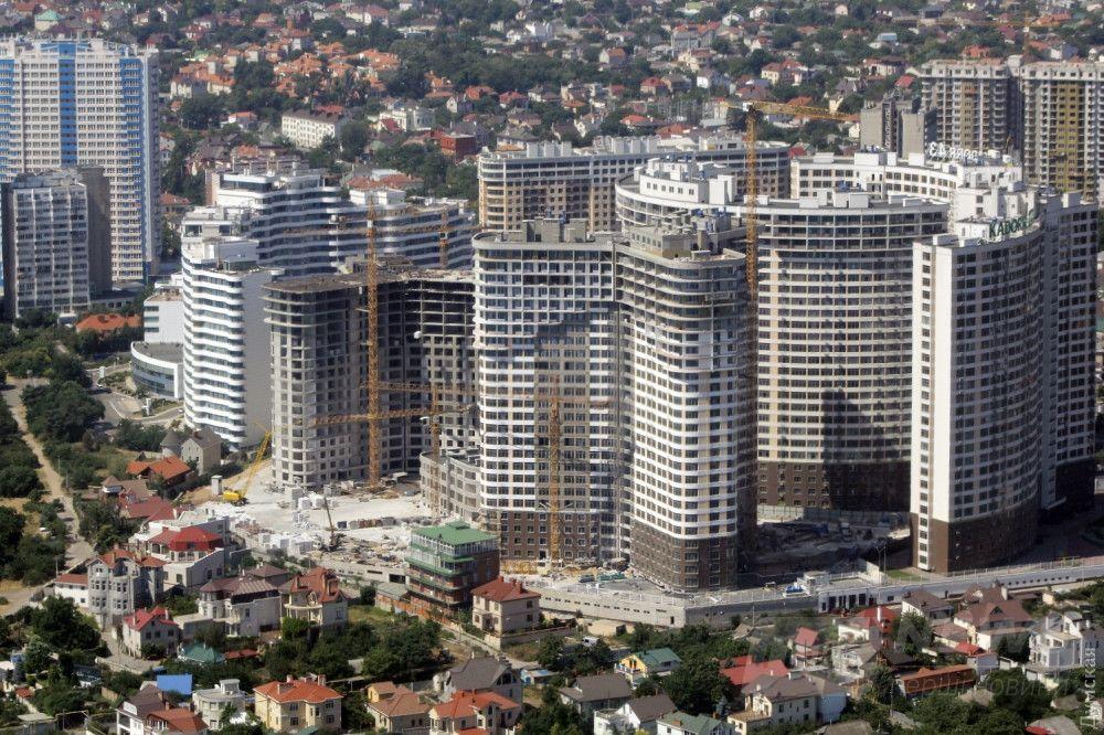 Стройки на ул. Каманина