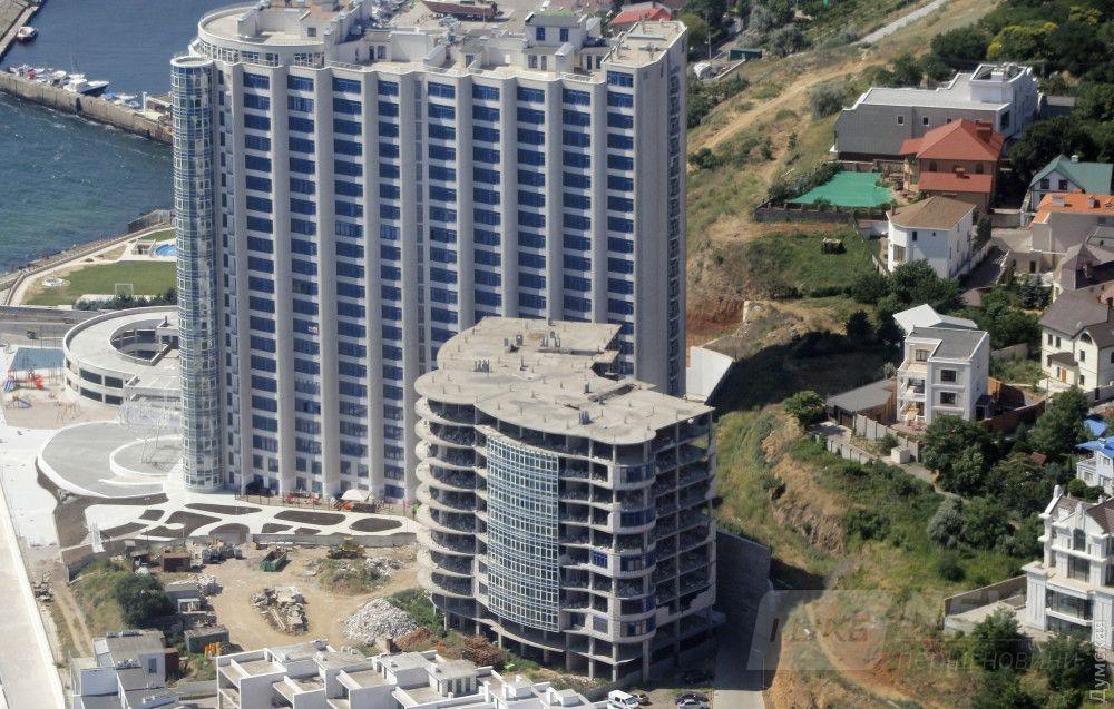 """ЖК """"Морская симфония"""". 10-этажное здание рядом сейчас демонтируют"""
