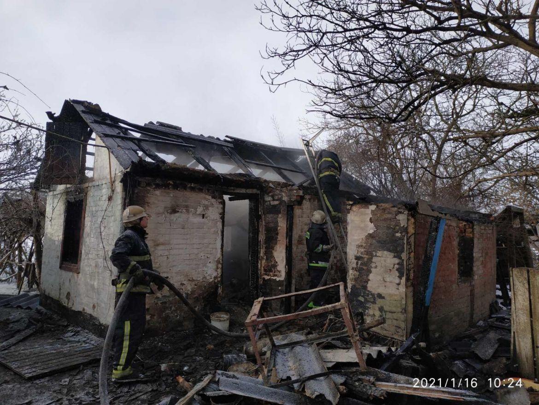 Вінницькі рятувальники знайшли труп на згарищі