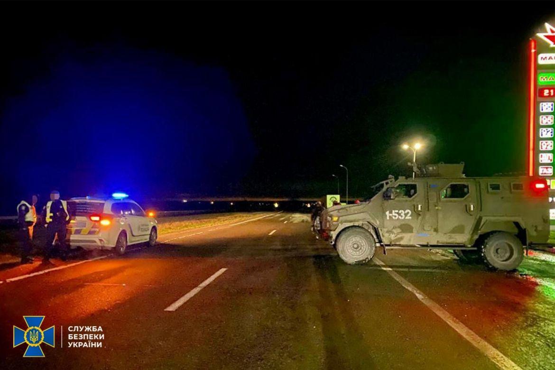 Спецоперaція нa Хaрківщині: прaвоохоронці зaтримaли aвтобус з «тітушкaми»