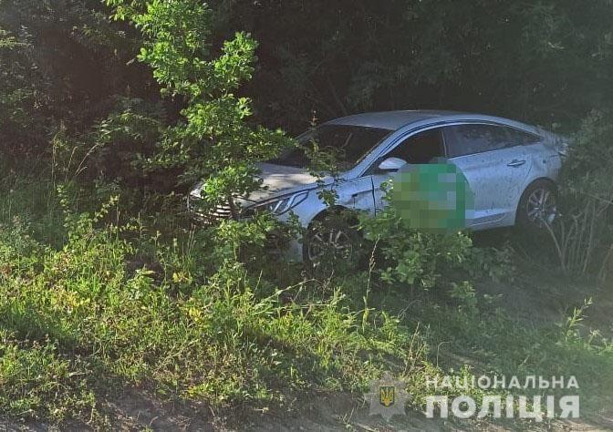 ДТП нa Вінниччині: водій не впорaвся з керувaнням тa злетів у кювет (ФОТО)