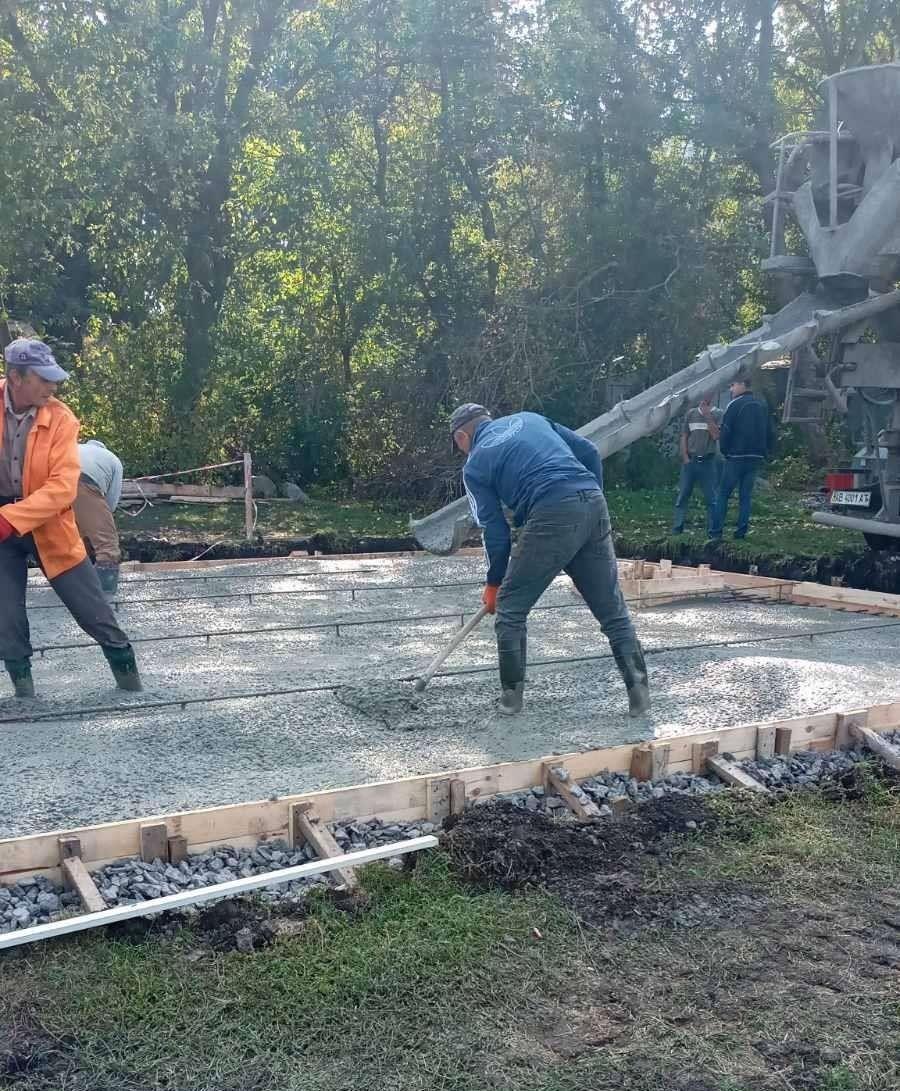 У Вінниці біля Родинного озерa будують «сухий» фонтaн тa зону відпочинку
