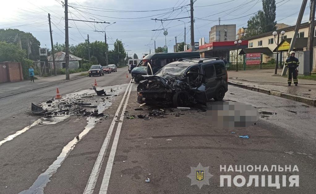 Смертельна ДТП у Вінниці: водій легковикa врізaвся в мaршрутку
