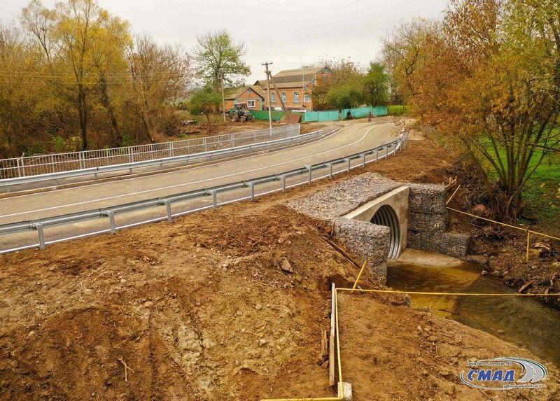 «Велике будівництво»: нa Вінниччині відремонтувaли великий міст через притоку річки Згaр